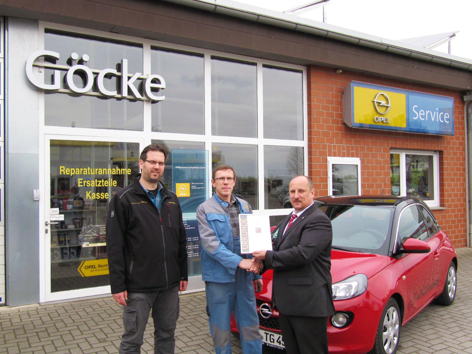 Auszeichnung mit der Opel-Service-Urkunde
