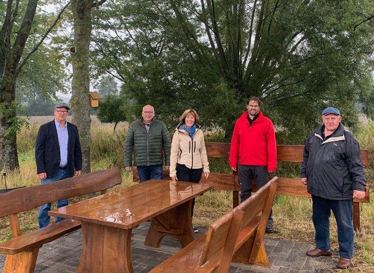 Autohaus Göcke sponsert neue Sitzgruppe